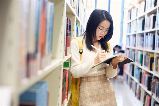 高考能复读几年